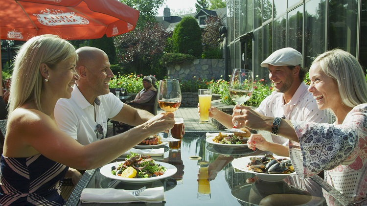 Relaxation and gastronomy in the Laurentians