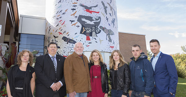 oto-Québec is taking advantage of the Journées de la culture to unveil an artistic legacy to the Town of Mont-Tremblant and a showcase of Québec art at the Casino de Mont-Tremblant.